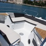 beneteau-flyer-8-8-space-deck-rentaboat-split