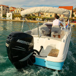beneteau-750-flyer-sundeck-rentaboat-split-12